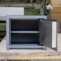 Сейф мебельный СМ-250П с полочкой