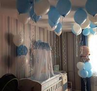 Оформить шарами комнату на рождение ребенка.