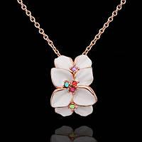 Позолоченное ожерелье с белой глазурью и стразами