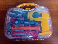 Чемодан с детскими инструментами