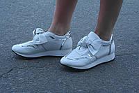 Кроссовки белые с бантом