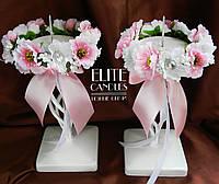 Набор подсвечников для свадебных свечей белого цвета с декором из розовых цветов
