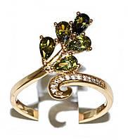 Кольцо фирмы Xuping. Цвет:позолота. Камни: оливковый и белый циркон. Ширина 18 мм. Есть 16 р. 17 р. 18 р.