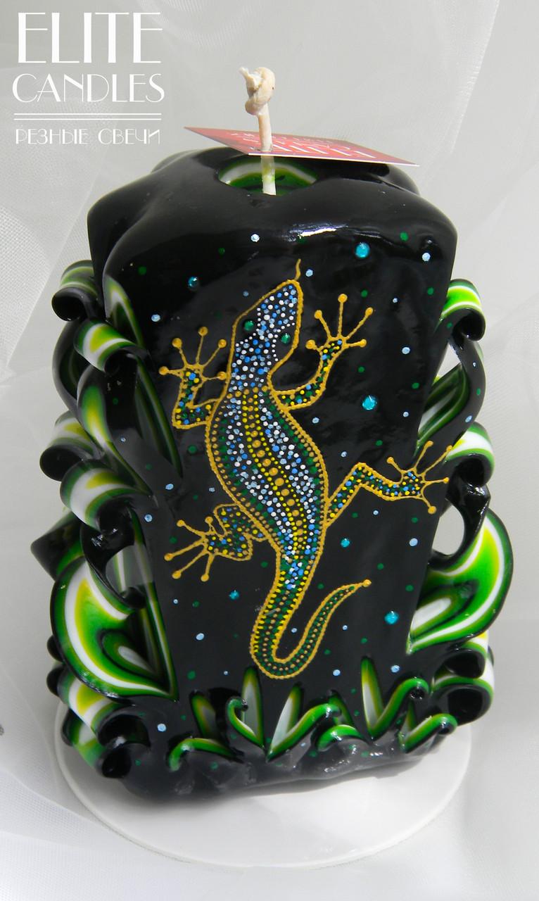 Зеленая свеча с росписью художником от ELITE CANDLES