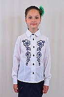 Красивая школьная блуза с вышитыми цветами для девочки в школу