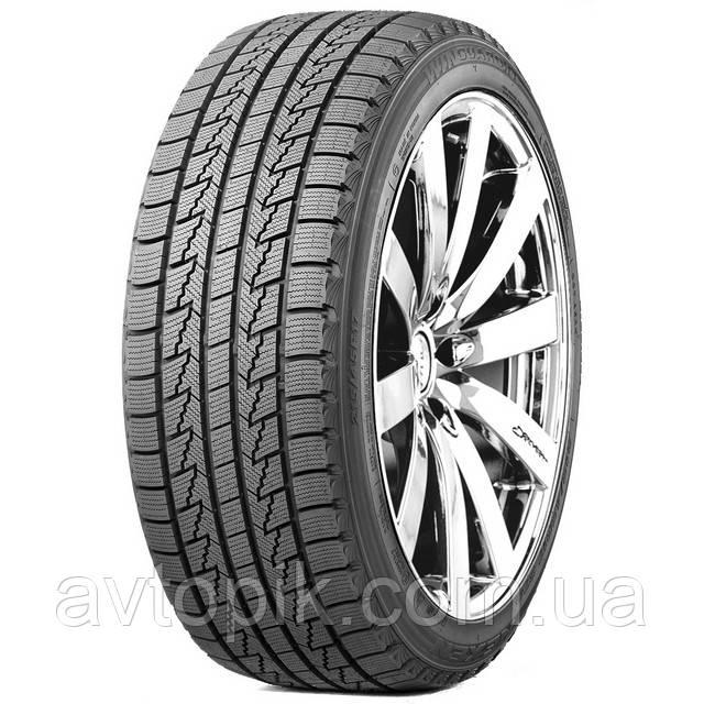 Зимние шины Roadstone Winguard Ice 215/65 R15 96Q