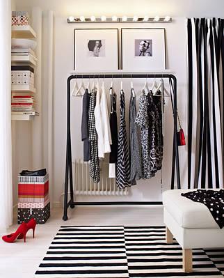 Стойки, вешалки, плечики, гардеробы для одежды