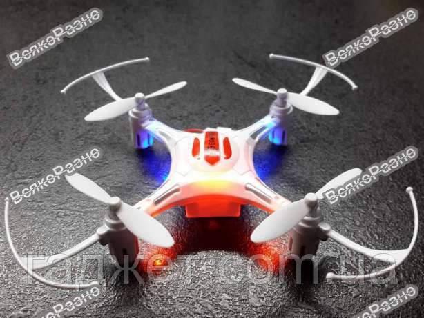 Квадрокоптер Eachine h8 mini Дрон белого цвета.