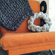 Подушка кольцо 45 см (цвет на выбор)