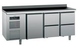 Стол холодильный Sagi KUEB4A