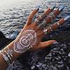Flash Tattoo на ногтях с мерцающим эффектом