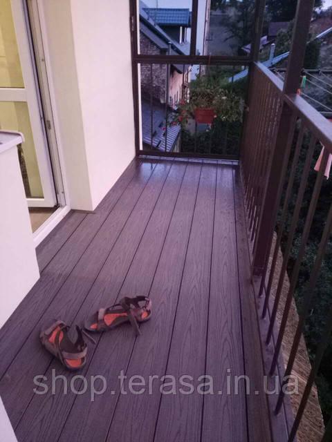 Облаштування балконів з терасної дошки з ДПК