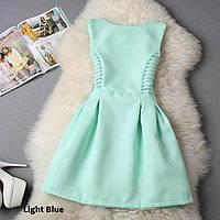 Очень красивое платье из фактурного неопрена...