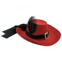 Шляпа Мушкетера с пером красная