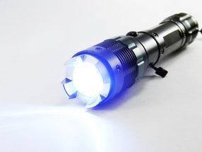 Почему стоит купить тактический фонарик?