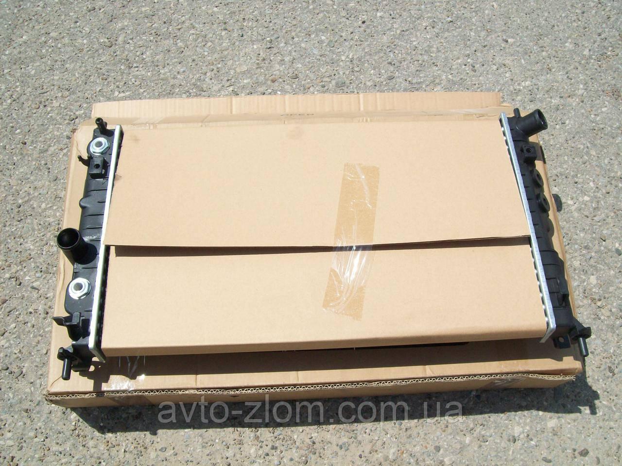 Радиатор Opel Vectra B, Опель Вектра Б 1,6-1,8-2,0 16V. C кондиционером + коробка автомат.