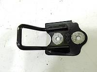 Скоба замка капота (черная) б/у Рено  Сценик 2 7701477954