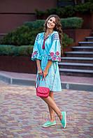 Короткое вышитое платье из льна мятного цвета