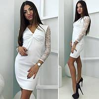 Платье короткое с кружевными рукавами