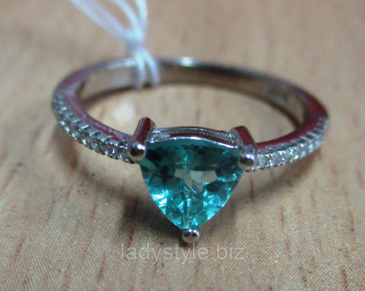 """Симпатичное кольцо """"Треугольник """" с  апатитом  , размер 17.9"""
