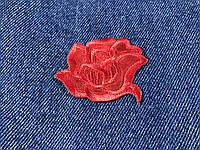 Нашивка Роза красная атлас 55х44 мм