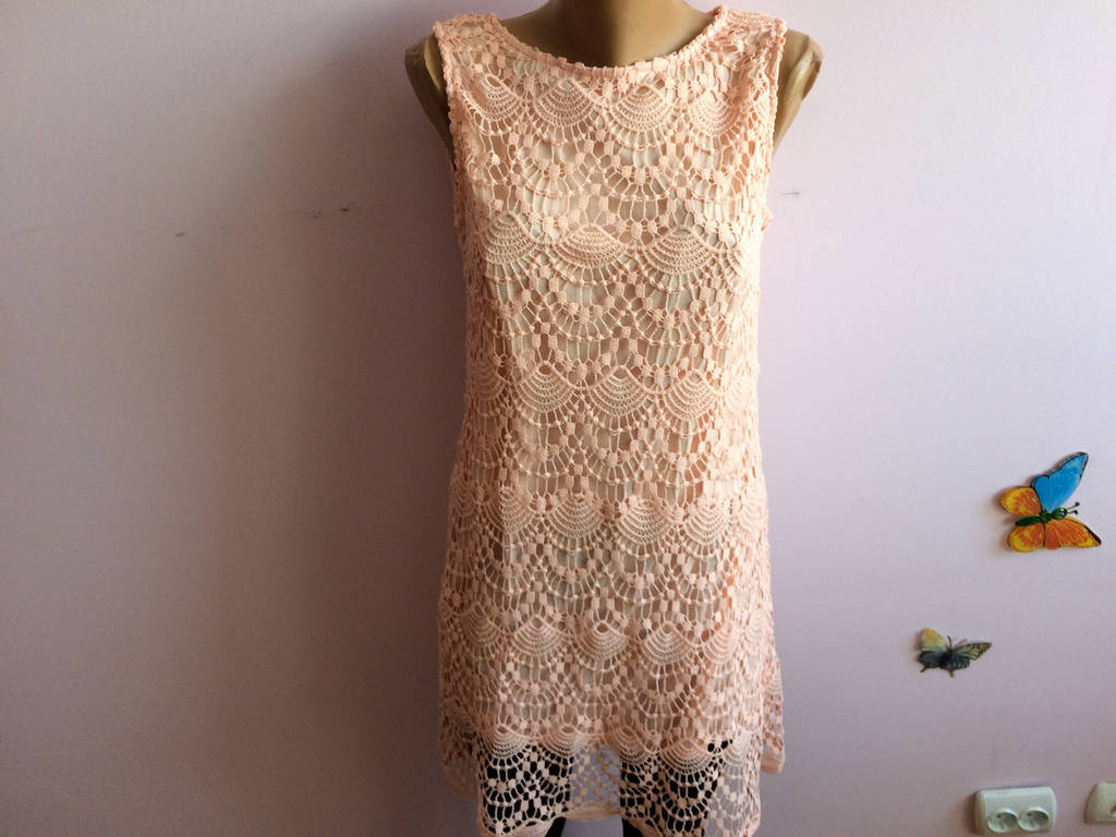 Платье ажурное без рукав