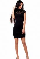 Черное облегающее платье с ажурной кокеткой