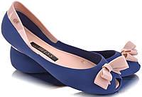 Стильные резиновые женские балетки синего цвета