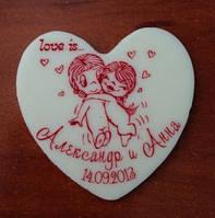Праздничные свадебные бонбоньерки-сердечки