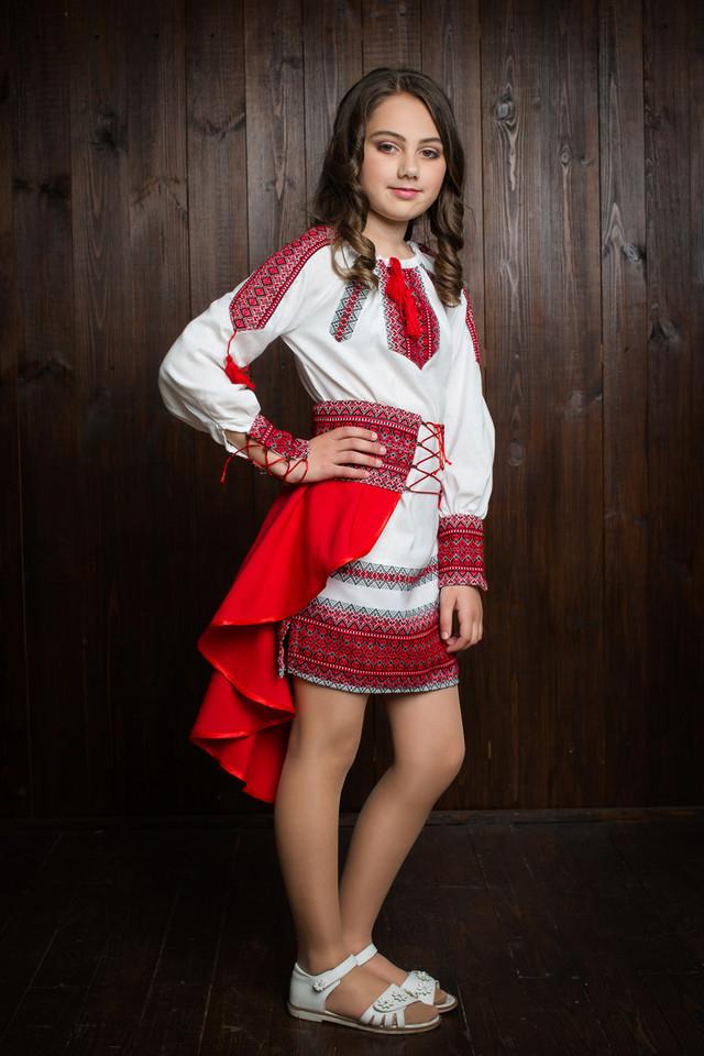 """Элегантное вышитое подростковое платье """"Украинка"""""""