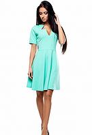 Платье с оригинальным декольте