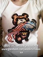 """Футбока """"Олимпийский мишка vs американский флаг"""""""