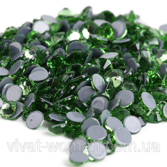 Стразы А+ Premium, Peridot (зеленый) SS10 (2,7 мм) термоклеевые. Цена за 144 шт.