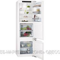 Холодильник с морозильной камерой AEG SCZ71800F1