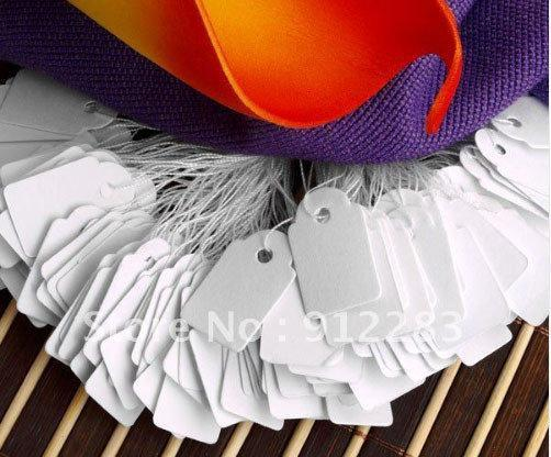 Бирки белого цвета на украшения на нитке