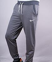 Спортивные штаны на манжете Nike