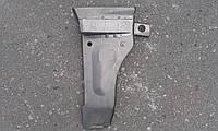 Щиток передней стойки правый (Щёчка) ВАЗ 2103-2106