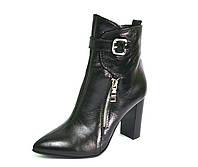 Остроносые ботинки на каблуке с пряжками и молнией