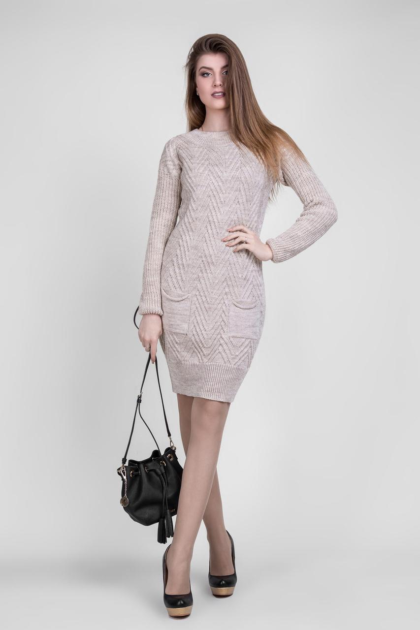 Вязаное платье с красивым орнаментом