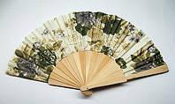 Красивый веер из шелка и бамбука Цветы