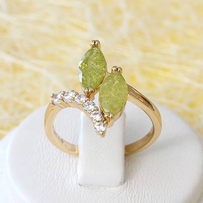 002-2633 - Позолоченное кольцо с лимонно-жёлтыми с блёстками и прозрачными фианитами, 17, 18, 18.5 р
