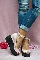 Женские кожаные туфли на танкетке с ремешком и с открытым пальчиком