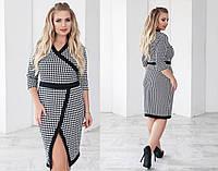 Платье приталенное из трикотажа с принтом гусинная лапка 48+ арт 55830-93