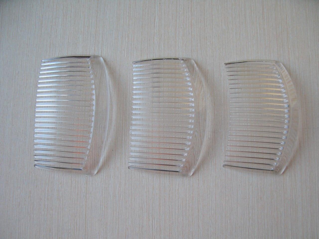 Гребешок-основа пластиковый прозрачный. Длина 8,5 см Цена - 5 грн