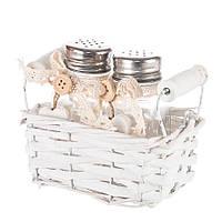 Набор для соли и перца в плетеной корзинке