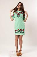 Нежное платье с красивой вышевкой