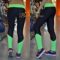 Спортивные лосины для тренировок и фитнеса черного цвета с зеленым поясом и вставкой на голени