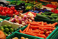 Ранние овощи для украинского борща дешевеют