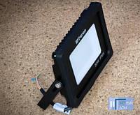 Светодиодный прожектор Feron LL-530 30W 6400K