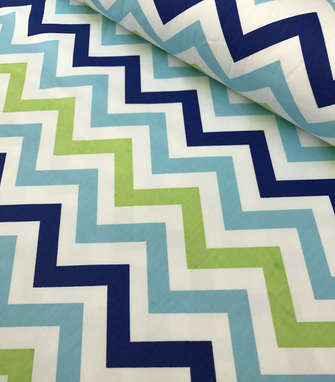 Хлопковая ткань зигзаг сине-салатово-голубой на белом (КОРЕЯ) №576